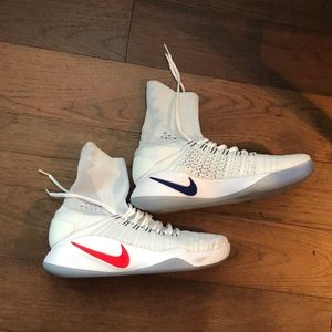 11 1/2 Nike Zoom Basketball Sneakers. Worn 1 Time.